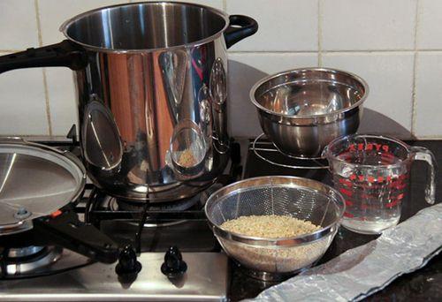 Hình minh họa: cách nấu gạo lứt